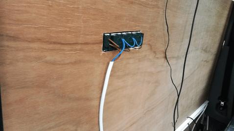 Installation électrique sur fourgon