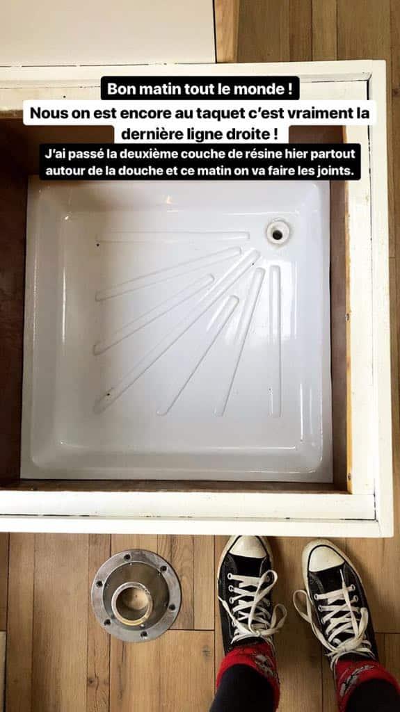 Installation d'une douche dans le fourgon