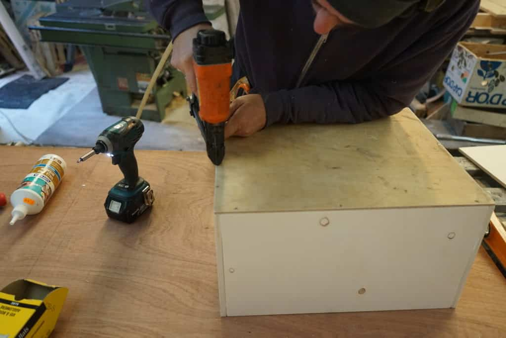 Construction tiroir du meuble cuisine fourgon